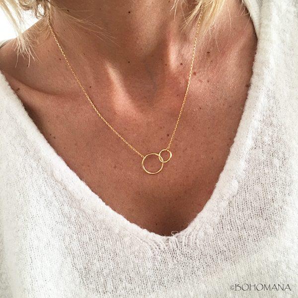 Collier en plaqué or avec pendentif double cercles